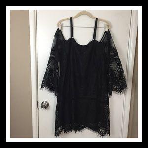 BHWM BLACK COLD SHOULDER LACE SHIFT DRESS SIZE 16